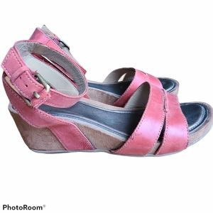 Naturalizer Red Leather Wedge Sandals Size 8.5W